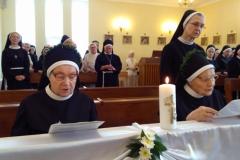 Siostry Jubilatki ponawiajace śluby zakonne