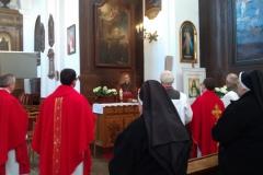 Modlitwy-przed-obrazem-bł.-ks.-Antoniego-Rewery-1