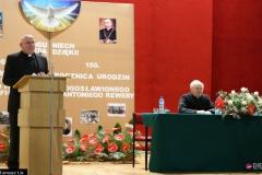 Ks. prof. Marek Tatar, ks. W. Gałązka, s. Wikaria Victoria Kwiatkowska